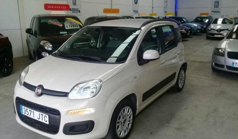Fiat Panda 1.2, año 2016, un propietario con 70.000km, música, aire acondicionado, etc, vendido con 1 año de garantía, pidiendo 5.995e.