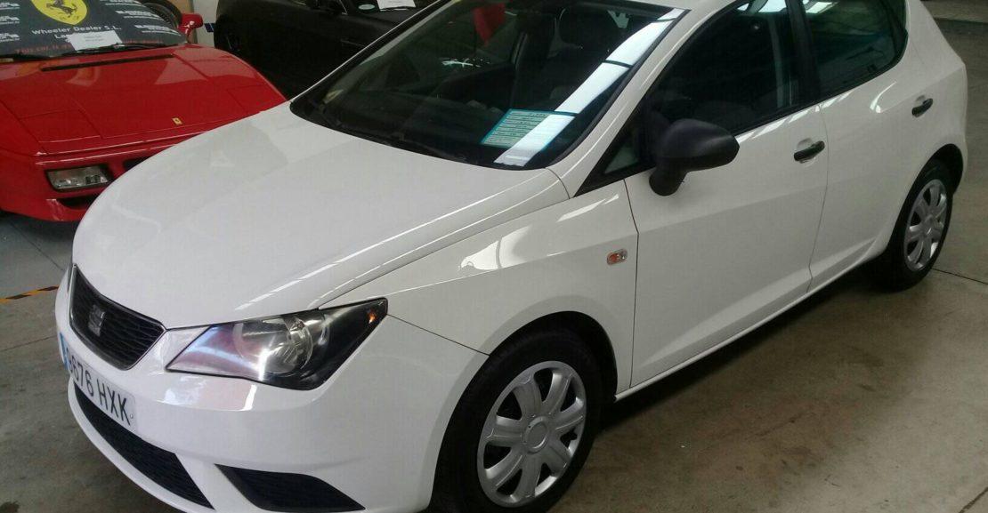Seat Ibiza 1.2 TSi, año 2014, un solo dueño con 131.000km, música, aire acondicionado etc, se vende con 1 año de garantía, pido 5.995e. El 100% de la financiación de los depósitos no está disponible. Tel 922 736451